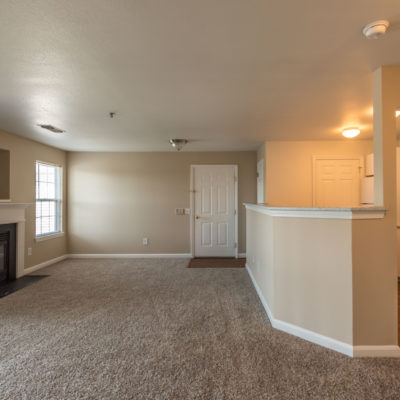 spacious middletown apts for rent with beautiful living room with bar